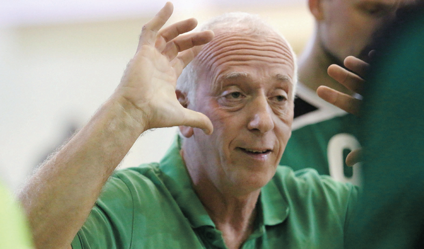 חיים בורק. חוזר לעמדת המאמן הראשי (צילום: דב קרייזל)
