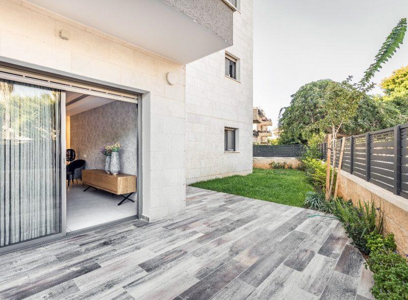 דירת גן לדוגמה בפרויקט היוקרה שובל טאצ' בקרית ביאליק. צילום: עינת דקל