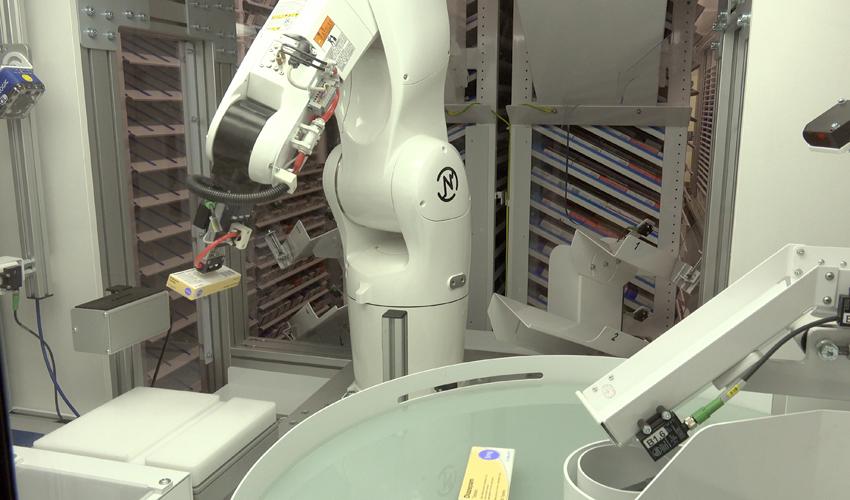 המערכת הרובוטית (צילום: נתנאל אייזיק)