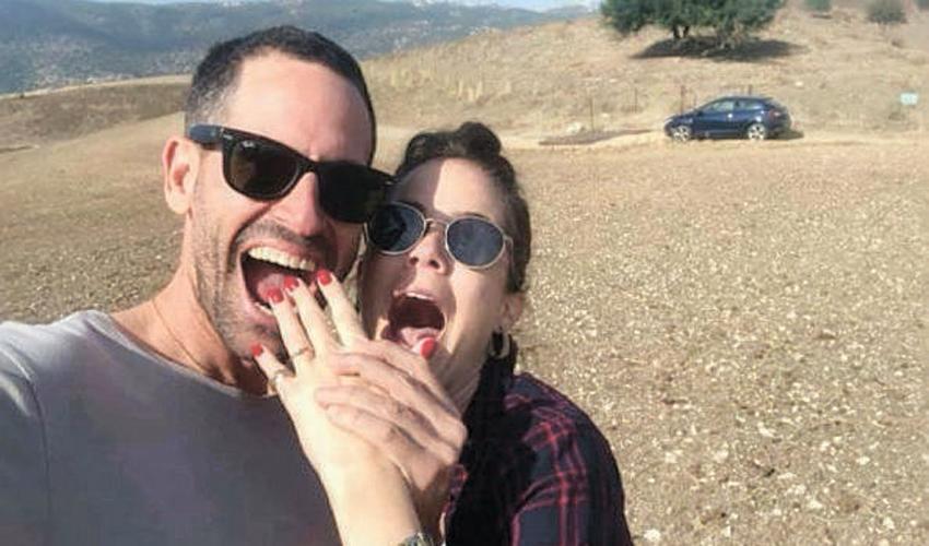 """בן זלץ וג'ניפר בופ. """"החתונה מתוכננת לחודש מאי, ואנחנו מתרגשים מאוד"""" (צילום מתוך דף הפייסבוק של בן זלץ)"""