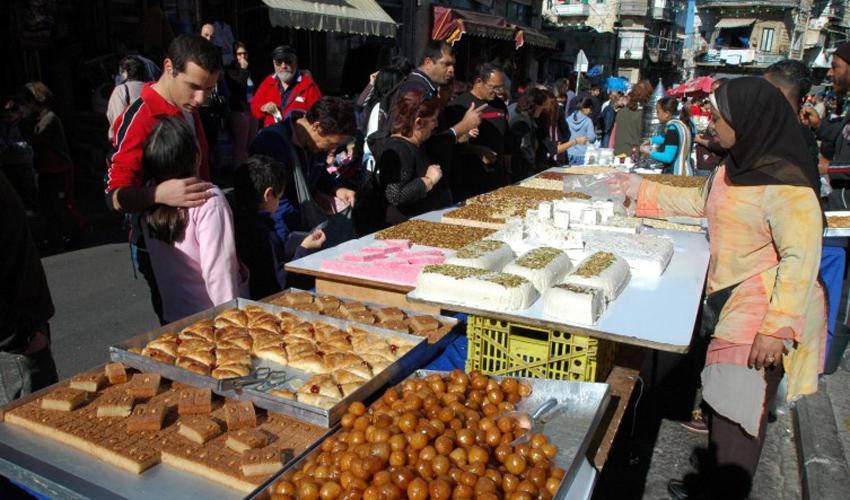 """דוכני אוכל בפסטיבל """"החג של החגים"""" (צילום: צבי רוגר)"""
