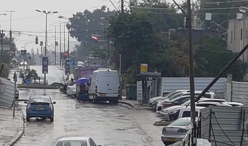 גשם בחיפה (צילום: סיון אברהם)