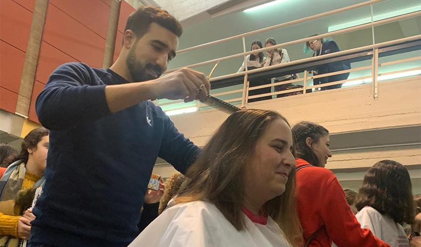 אירוע תרומת השיער בבית הספר ליאו באק (צילום: בית הספר ליאו באק)