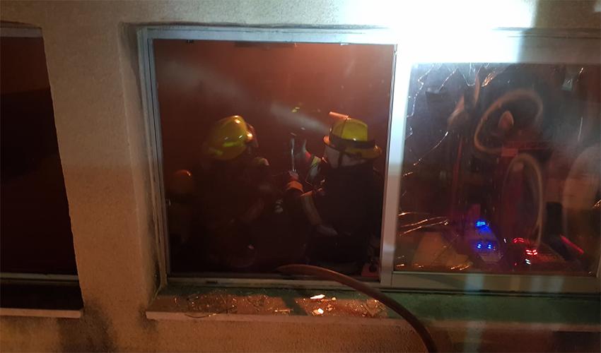 השריפה בחדרי הבריחה בצ'ק פוסט (צילום: דוברות שירותי כיבוי והצלה)
