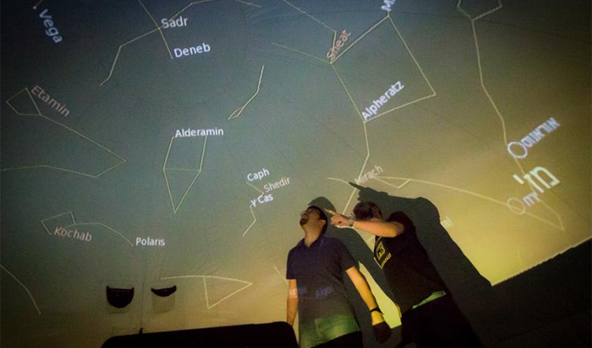 פעילות בנושא חלל במדעטק (צילום: איל אמיר)