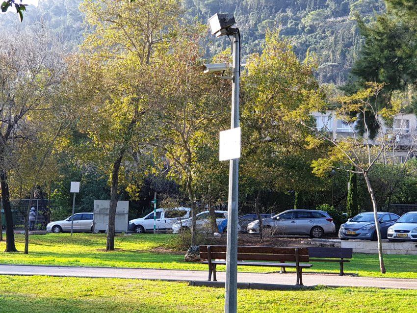 מצלמת האבטחה סמוך לאנדרטה (צילום: בועז כהן)