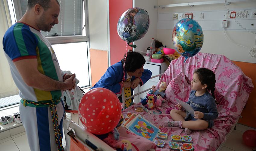 הפעילות ההתנדבותית בבית החולים רות רפפורט לילדים (צילום: עידן עידו)
