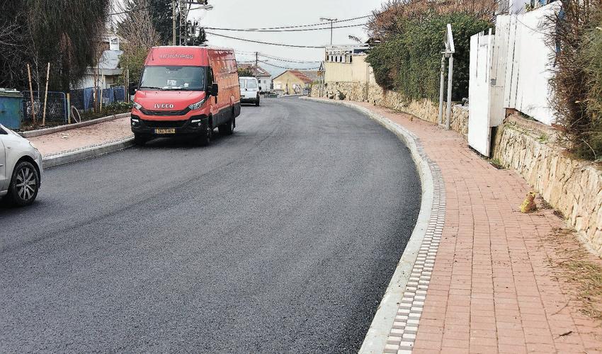 רחוב יצחק שדה בקרית אתא (צילום: דוברות עיריית קרית אתא)