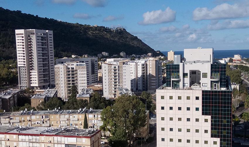 בנייה חדשה בחיפה (צילום: שי אילן)