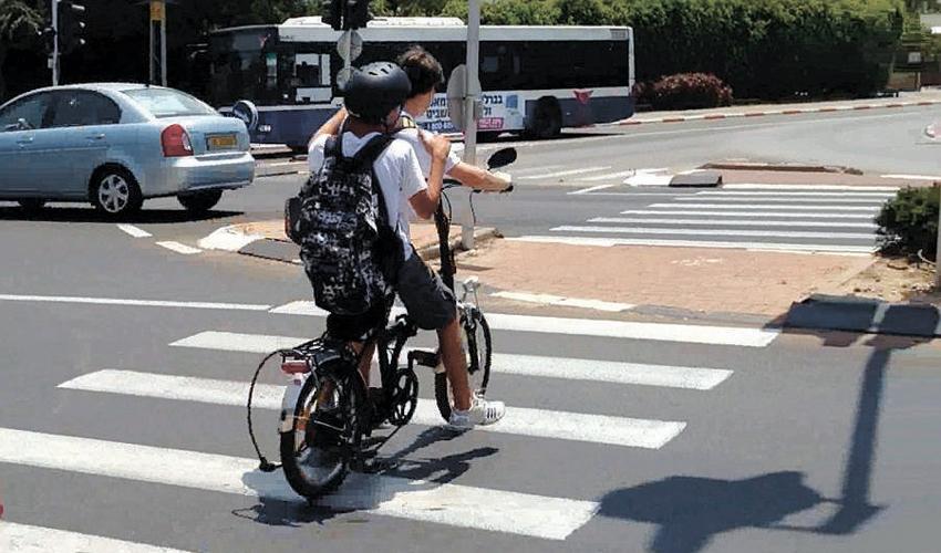 אופניים חשמליים (צילום: עמותת אור ירוק)