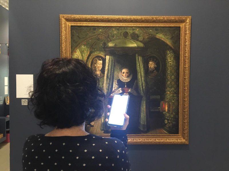 """המשחק האינטראקטיבי בתערוכת """"החדר שלי"""": מפגש וירטואלי בין אמנים למבקרים. צילום: יעל גרוסמן- ארזואן"""