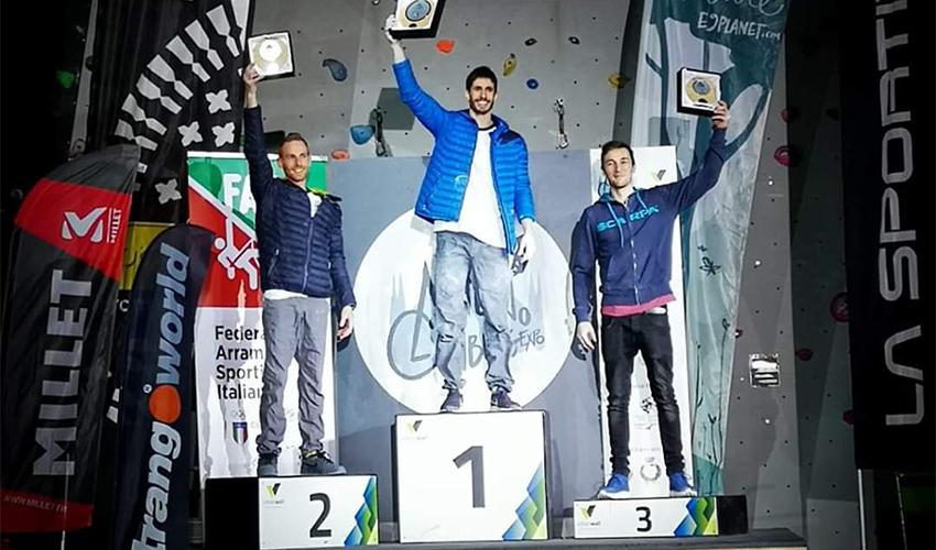 אלכס חזנוב בראש הפודיום. עוד נציג של מכבי חיפה באולימפיאדת טוקיו? (צילום: נילס פברה)
