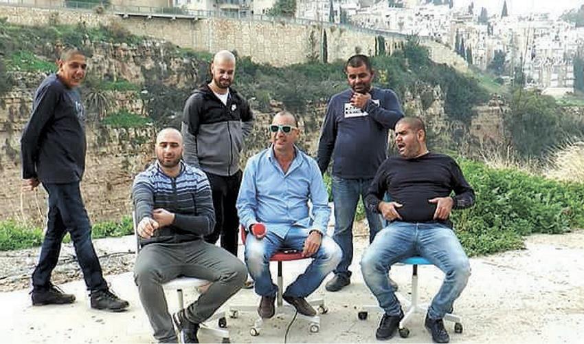 יהורם מטיטה שיטרית וחבריו הערבים מחליסה (צילום: מרינה צ'רקסקי, סטודיו Oneshot)