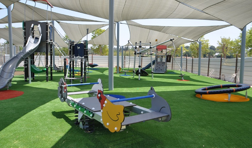 גן משחקים ציבורי (צילום: דוברות עיריית קרית אתא)