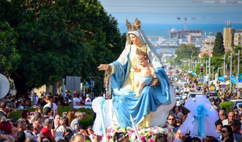 תהלוכת הבתולה הקדושה בשנת 2019 (צילום מתוך אתר הפטריארכיה הלטינית בירושלים)