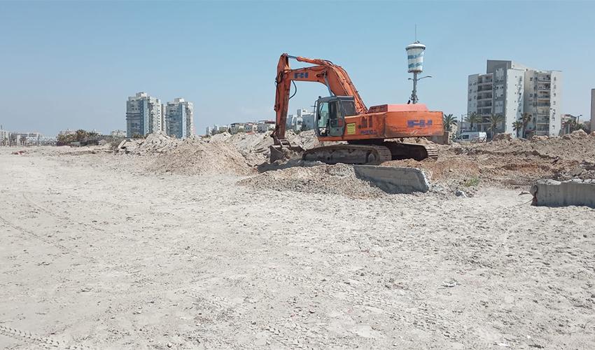 עבודות השיקום של חוף כאן (צילום: דוברות עיריית חיפה)