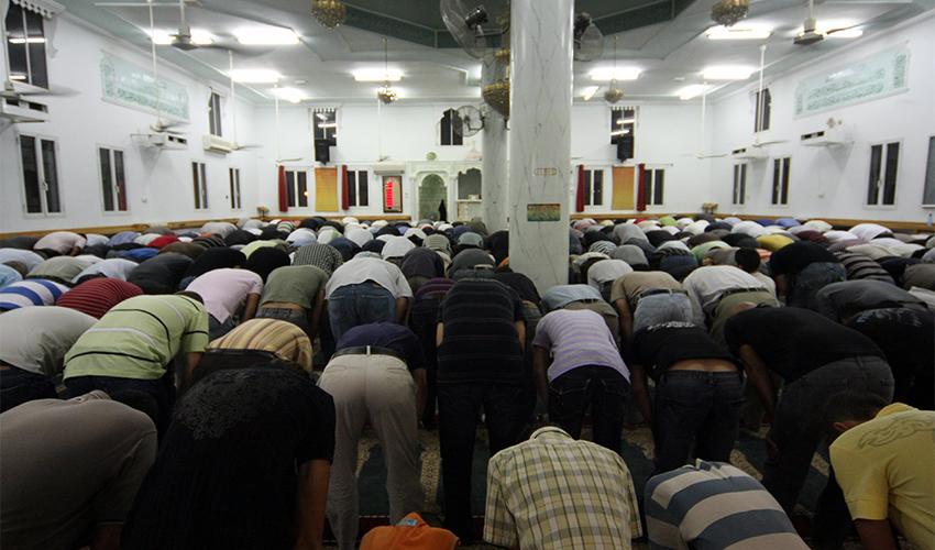 תפילת רמדאן (צילום: איציק בן מלכי)