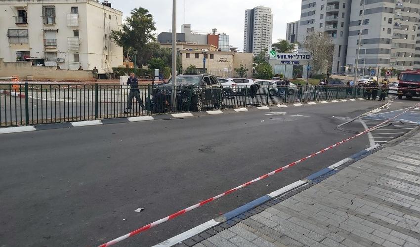 זירת הפיצוץ בטירת כרמל (צילום: דוברות משטרת ישראל)