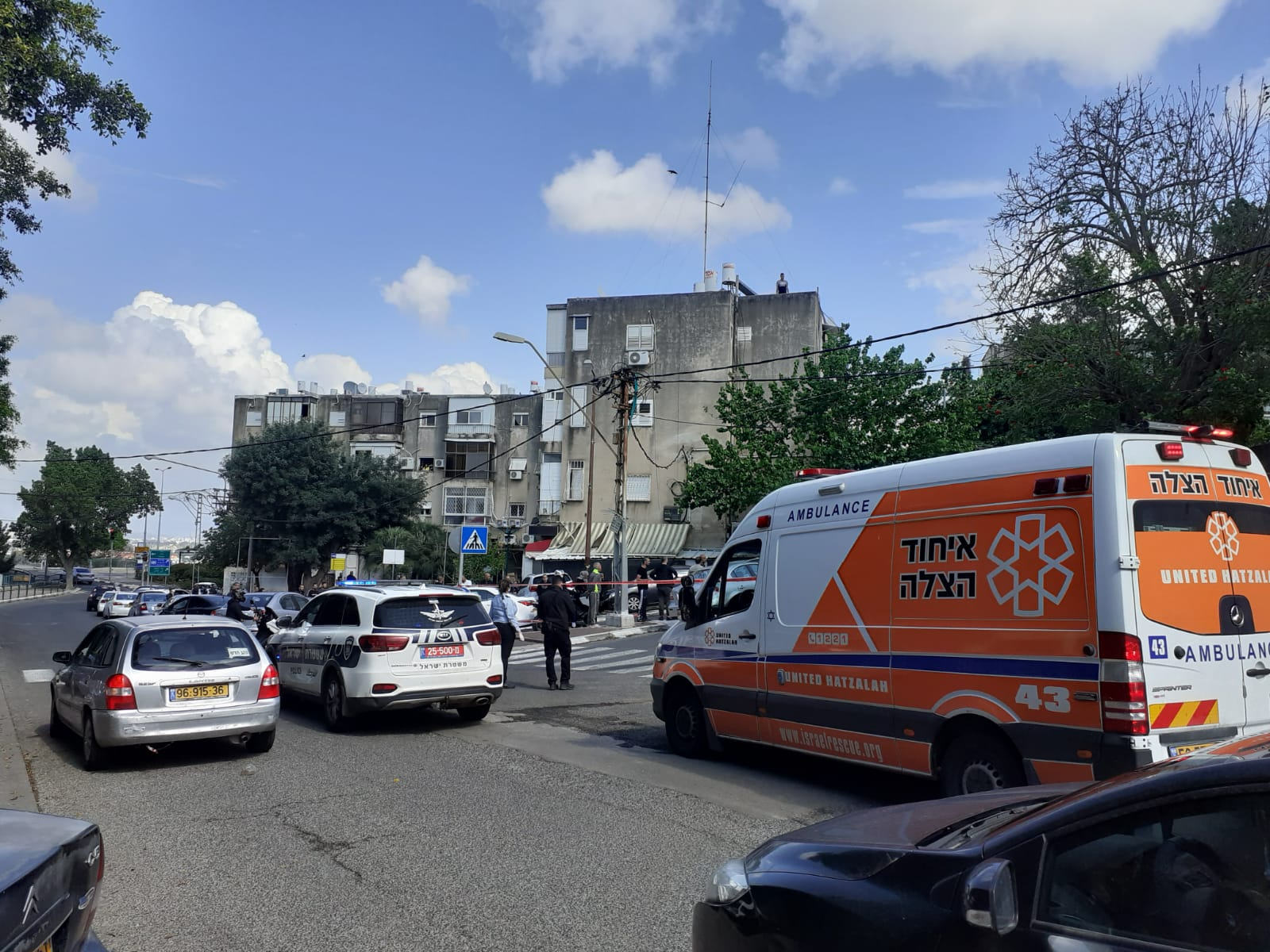 זירת אירוע הירי ברחוב הגיבורים (צילום: דוברות איחוד הצלה)