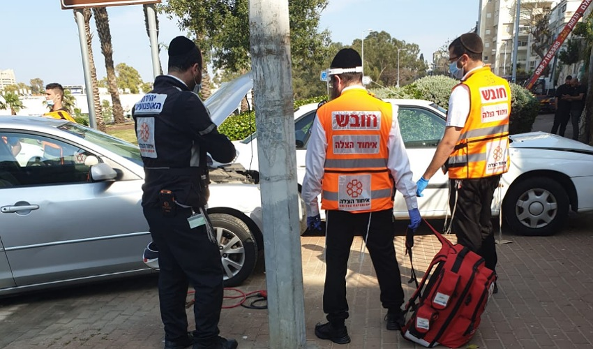 זירת התאונה ברחוב אלנבי בחיפה (צילום: דוברות איחוד הצלה)