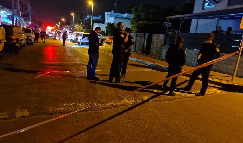 זירת הירי בקרית אתא (צילום: דוברות איחוד הצלה)