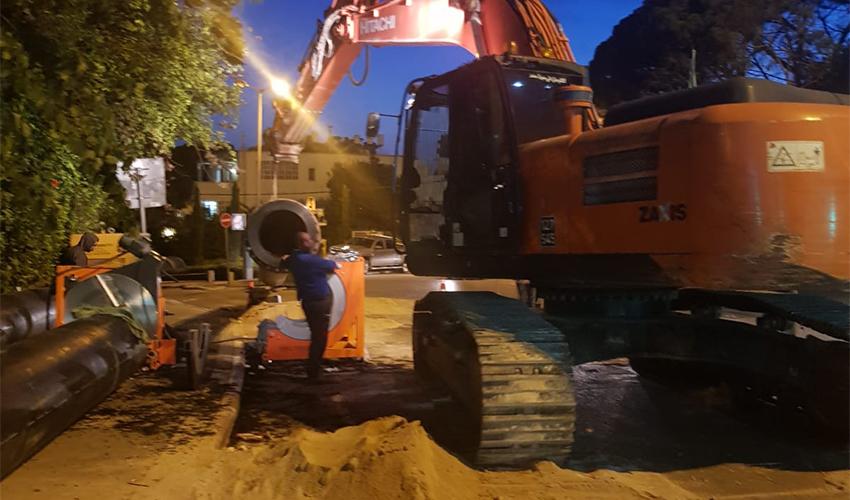 העבודות היום ברחוב גת (צילום: תאגיד מי כרמל)