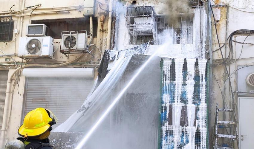 השריפה בחנות ברחוב העצמאות (צילום: דוברות שירותי הכבאות וההצלה)