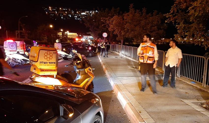 זירת התאונה בדרך שמחה גולן (צילום: דוברות איחוד הצלה)