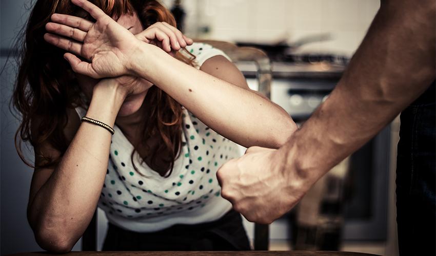 אלימות נגד נשים (צילום: א.ס.א.פ קריאייטיב/INGIMAGE)