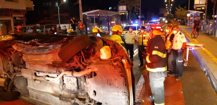 זירת התאונה בצומת מוצרט (צילום: דוברות שירותי כבאות והצלה)