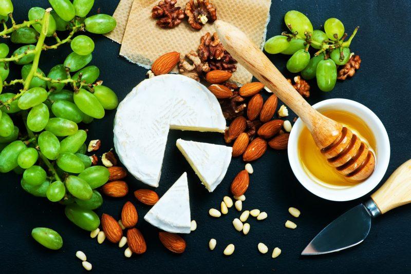 לא רק גבינה 5%: טיפים של דיאטנית כללית בחיפה וגליל מערבי לקראת שבועותתמונה ממאגר Ingimage