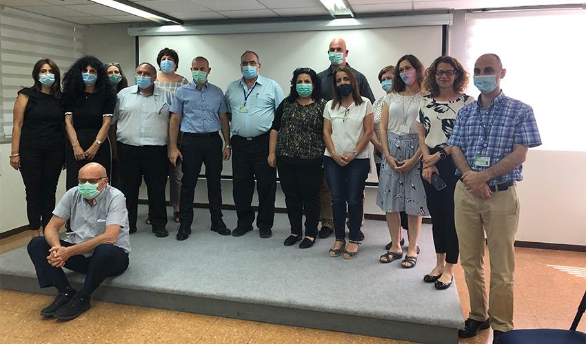 אנשי הנהלת בית החולים לוינשטיין והנהלת מחוז חיפה וגליל מערבי (צילום: דוברות שירותי בריאות כללית)