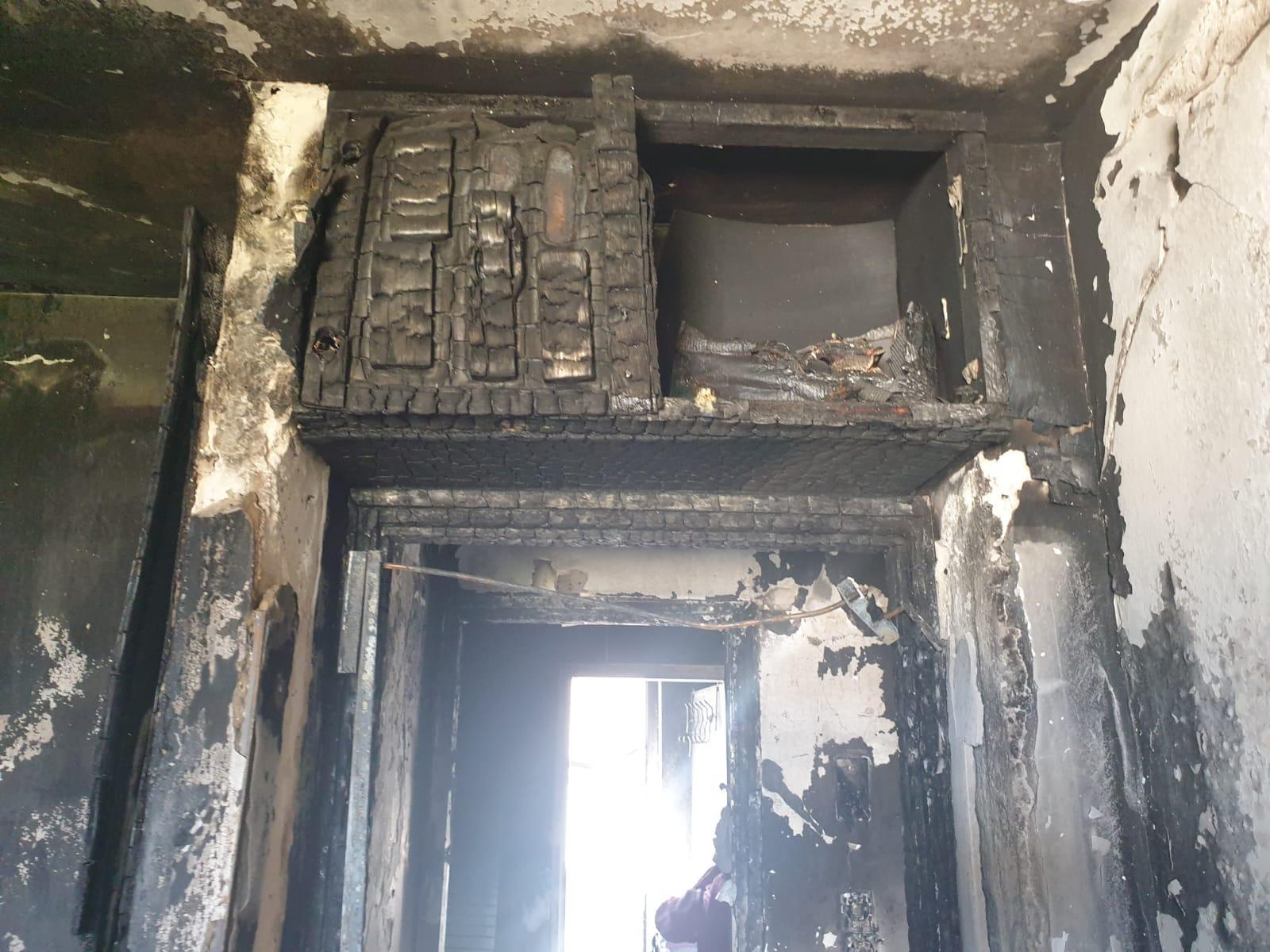 הדירה שנשרפה (צילום: דוברות שירותי הכבאות וההצלה)