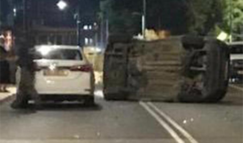 התאונה בכניסה לעוספייה (צילום: דוברות משטרת ישראל)