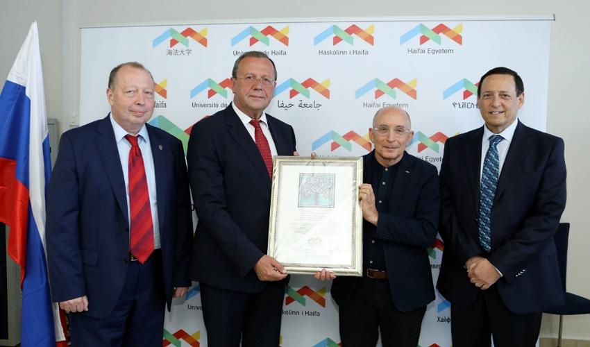 משה מנו, פרופ' רון רובין, אנטולי ויקטורוב ואיגור פאפוב (צילום: יניב קופל)