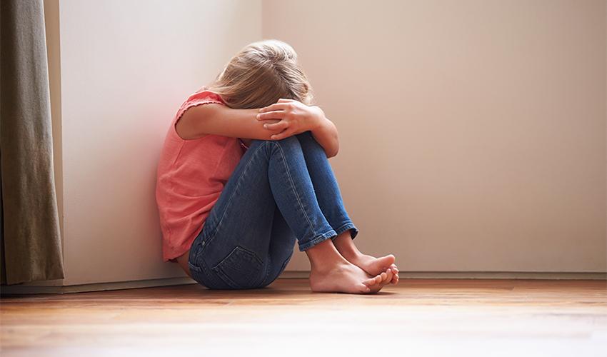 ילדה שהותקפה (צילום: א.ס.א.פ קריאייטיב/INGIMAGE)