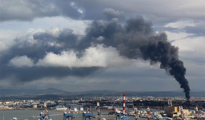 """השריפה בבז""""ן ב-2016 (צילום: אילן מלסטר, המשרד להגנת הסביבה)"""