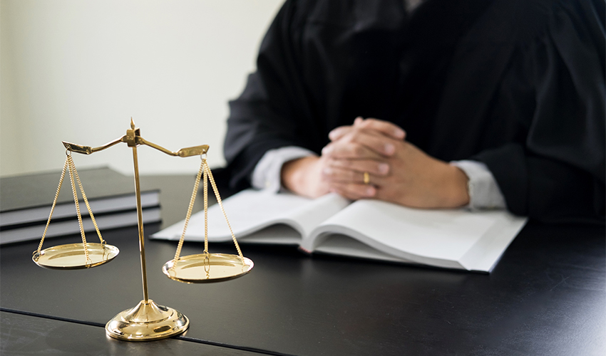 סטודנטים למשפטים יוכלו להיבחן במשרדי עורכי דין