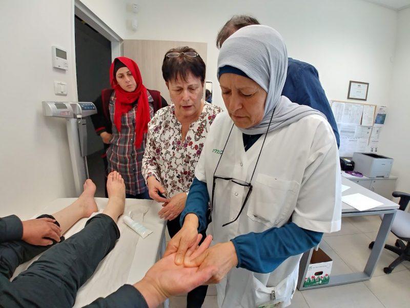 דואגים לחולים האונקולוגים בכללית: שילוב רפואה משלימה בטיפול. צילום: דוברות כללית