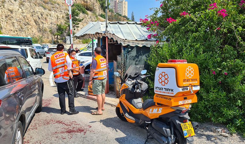 צוותי איחוד הצלה במסוף האוטובוסים (צילום: דוברות איחוד הצלה)