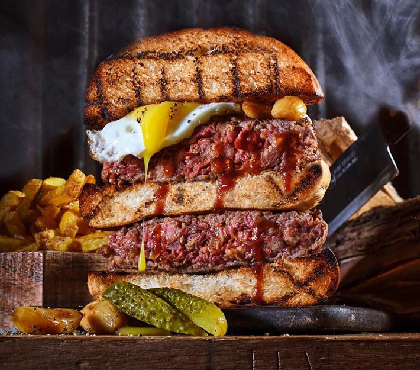 המבורגר של רובן (צילום: אנטולי מיכאלו)