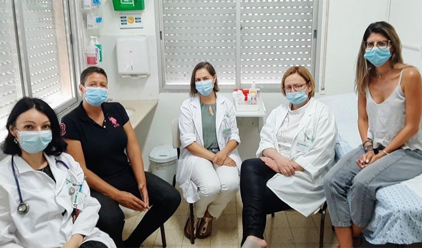 צוות המרפאה האונקו-גריאטרית במרכז הרפואי בני ציון (צילום: ניר קופלר)