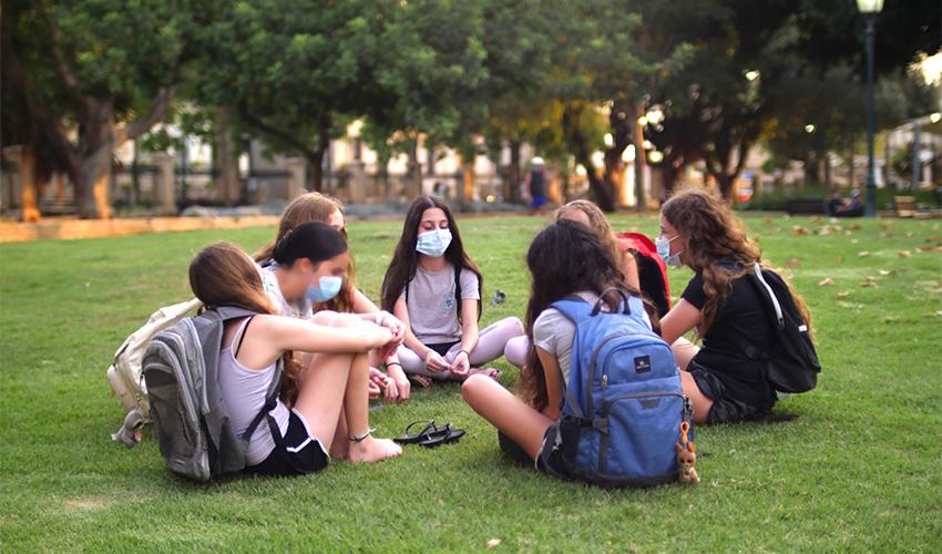 שבע הבנות מזכרון יעקב (צילום: גלעד רייכנבאום)