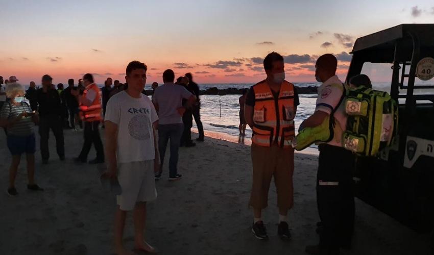 החיפושים אחר הנעדר בחוף מרידיאן (צילום: דוברות איחוד הצלה)