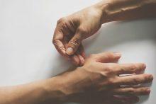 """נפלאות הדיקור: 10 דרכים שיסייעו להצלחת טיפולי הפוריות. צילום: יח""""צ כללית"""
