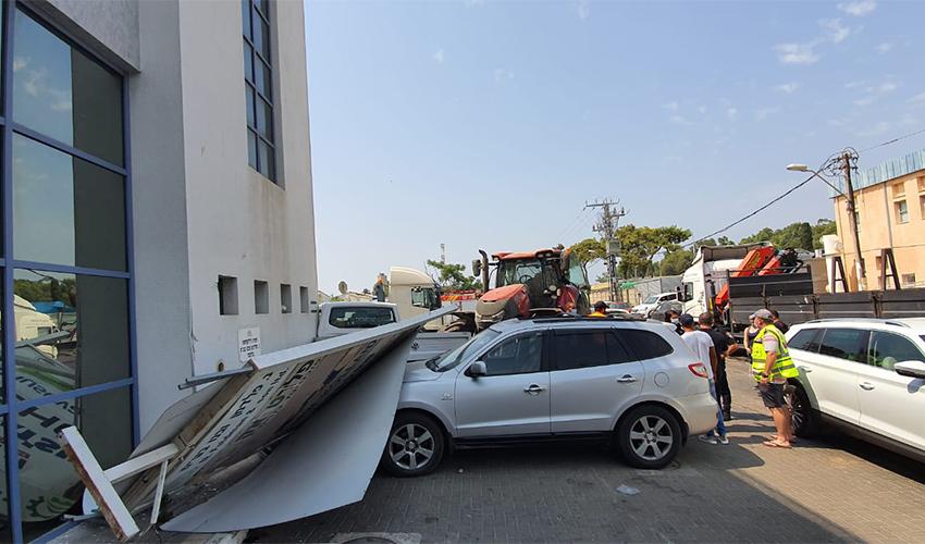 זירת התאונה ברחוב יוסף לוי (צילום: דוברות איחוד הצלה)