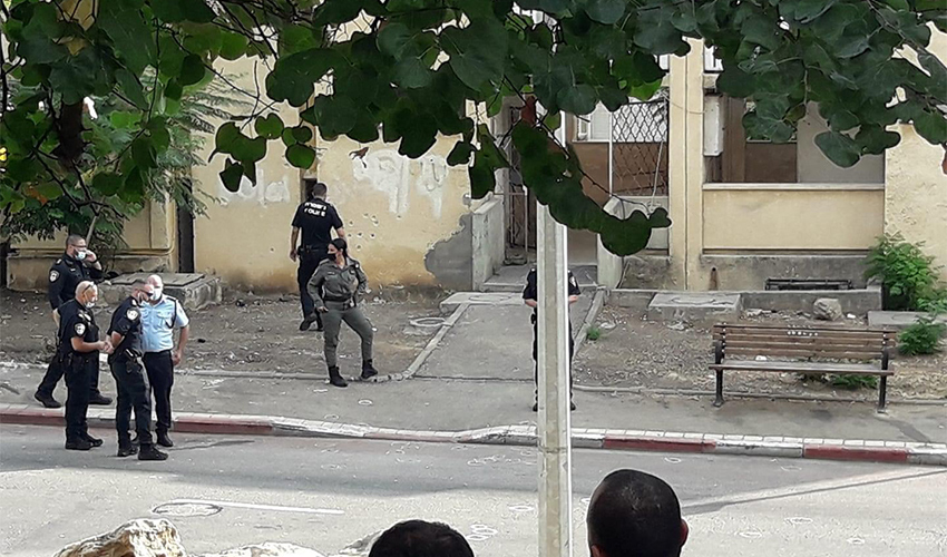 כוחות משטרה בזירת הירי (צילום: ליהי יאיר)