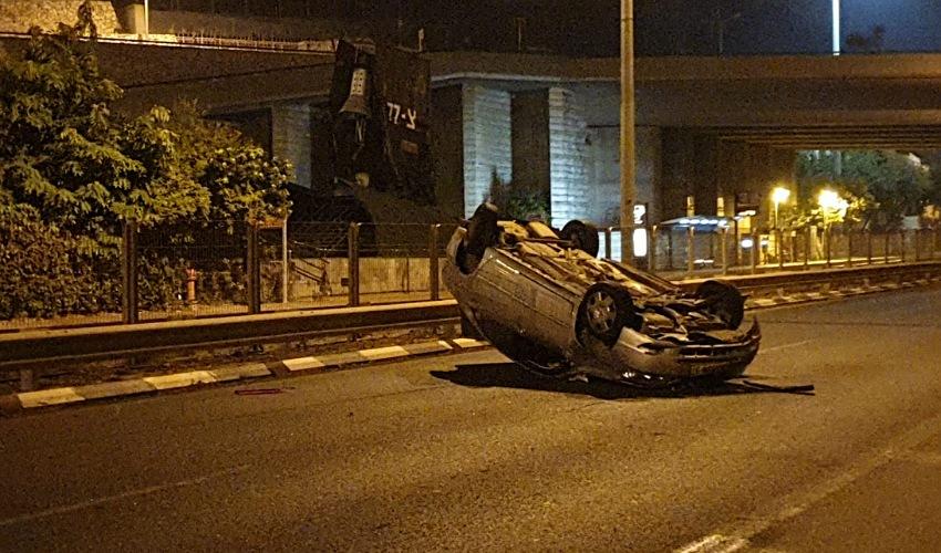 התאונה בשדרות ההגנה (צילום: דוברות משטרת ישראל)