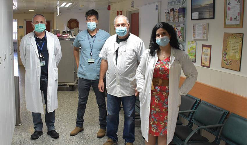 """פרופ' ירון הר שי, ד""""ר מרים סגל ואנשי צוות המחלקה לכירורגיה פלסטית במרכז הרפואי כרמל (צילום: אלי דדון)"""