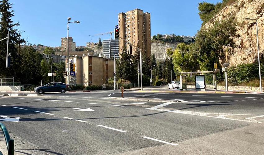 הכניסה לרחוב ההרב קניאל (צילום: ראובן כהן, דוברות עיריית חיפה)